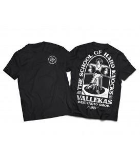 Camiseta School of hard knocks- WE RESIST