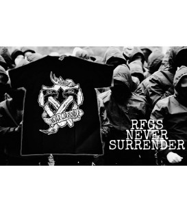 Camiseta Never Surrender Black - REFUGEES CLOTHING